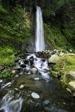 Natürlicher Wasserfall Lizenzfreies Stockfoto