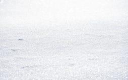 Natürlicher Winterhintergrund mit Schnee treibt im Weihnachten Sun lizenzfreies stockbild