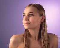 Natürliches Frauenportrait Stockfoto