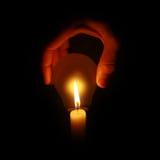Natürliches Lampenleuchtekonzept mit Kerze Lizenzfreie Stockfotos