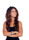 Natürliches Mädchen mit dem gelockten Haar, das oben schaut Stockbilder