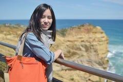 Natürliches reisendes Mädchen lizenzfreies stockbild