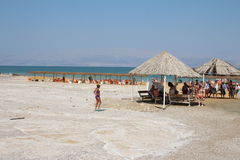 Natação do Mar Morto em Israel Imagem de Stock