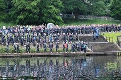 Natação saudável do exercício do esporte do triathlete do Triathlon fotos de stock royalty free