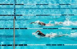 Natación competitiva Fotos de archivo