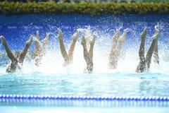 Natación sincronizada en de los Juegos Olímpicos imagen de archivo libre de regalías