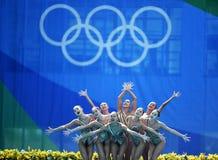 Natación sincronizada en de los Juegos Olímpicos fotografía de archivo libre de regalías