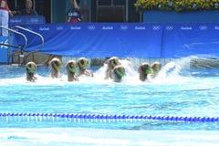 Natación sincronizada en de los Juegos Olímpicos foto de archivo