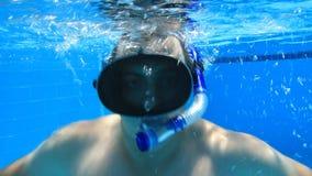 Natación subacuática almacen de video
