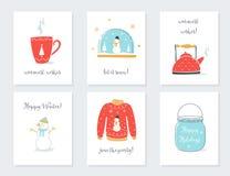 Natal, ano novo e cartões dos feriados de inverno com objetos sentimentais do vintage Caneca do chá, globo da neve, chaleira, cam Fotografia de Stock