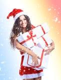 Natal da posse do retrato da mulher de Santa do Natal Fotografia de Stock