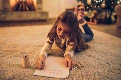 Natal de espera da menina imagem de stock royalty free