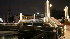 Natal do feriado da iluminação da ponte vídeos de arquivo