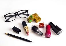 Natal do negócio: pena, vidros, cosméticos do ` s das mulheres Imagens de Stock Royalty Free
