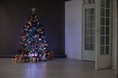 Natal dos presentes da árvore de Natal das decorações do Natal Foto de Stock