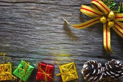 Natal e ano novo feliz para o fundo Weihnachtspakete - presente de Natal imagem de stock royalty free