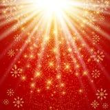 Natal e anos novos felizes da ilustração Fundo vermelho com flocos de neve dourados Foto de Stock Royalty Free