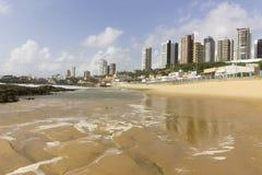 Natal miastowa plaża z drapaczami chmur Obraz Royalty Free