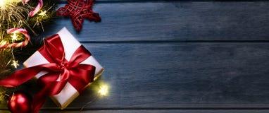 Natal ou presente do ano novo imagens de stock