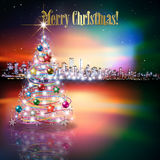 Natale astratto che accoglie con la siluetta della città Fotografia Stock Libera da Diritti