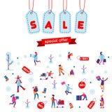 Natale che comperano, vendite di vacanza invernale o fondo piano di Black Friday La gente, regali, scatole e calze Royalty Illustrazione gratis