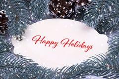 Natale che gretting carta con l'iscrizione delle feste con lettere felici Fotografie Stock Libere da Diritti