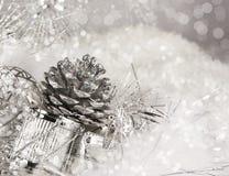 Natale d'argento Pinecone Fotografia Stock
