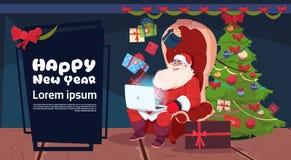 Natale di Black Friday ed etichetta stagionale di sconto di festa dell'insegna di promozione del buon anno con Sants facendo uso  Fotografie Stock Libere da Diritti