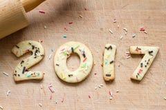 2017 Natale e biscotti del pan di zenzero del nuovo anno Fotografie Stock Libere da Diritti