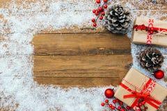 Natale e nuovo anno su un fondo di legno fotografia stock