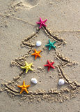 Natale e nuovo anno sulla spiaggia Immagini Stock