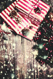 Natale fondo, cartolina d'auguri con il ramo di albero dell'abete Fotografia Stock