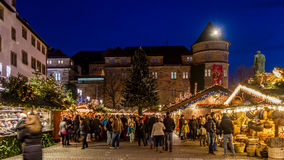 Natale intorno al vecchio palazzo Immagine Stock Libera da Diritti
