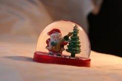 Natale: Santa d'oscillazione Fotografia Stock