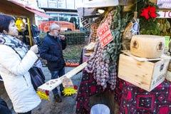 Natale tradizionale giusto sulla piazza Cavour in Como, Italia Fotografia Stock Libera da Diritti