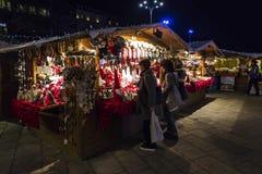 Natale tradizionale giusto sulla piazza Cavour in Como, Italia Immagine Stock