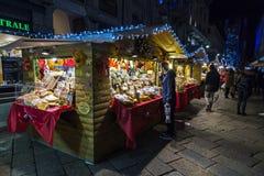 Natale tradizionale giusto sulla piazza Cavour in Como, Italia Fotografie Stock