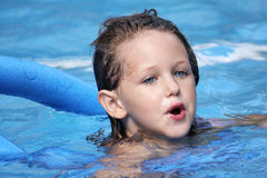 natation d'enfant photo libre de droits