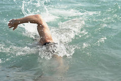 Natation d'homme Images stock