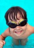 natation de regroupement de fille Image stock