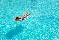 natation de regroupement de fille Photographie stock