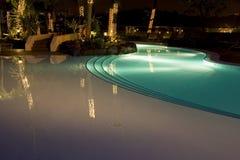 natation de regroupement de nuit Photos stock