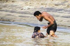 Natation en rivière Photo libre de droits
