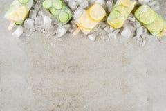 Natchnący wodni lodów popsicles zdjęcia royalty free