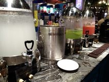 Natchnący napoje przy barem Zdjęcie Stock