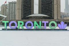 Nathan Phillips Square i Toronto Royaltyfria Bilder