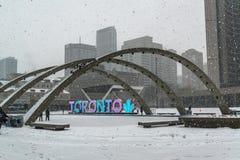 Nathan Phillips Square i Toronto Arkivfoto