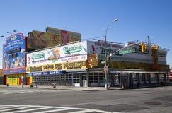 Nathan s den original- restaurangen på Coney Island Arkivfoto