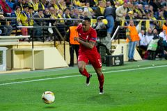 Nathaniel Clyne-spelen bij de Europa gelijke van de Ligahalve finale tussen Villarreal CF en Liverpool FC Royalty-vrije Stock Afbeeldingen