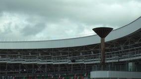 Nationaal olympisch Dinamo-Stadion voor atletiekcompetities van 2de Europese Spelen 2019 in MINSK, WIT-RUSLAND 05 03 19 trefpunt stock videobeelden